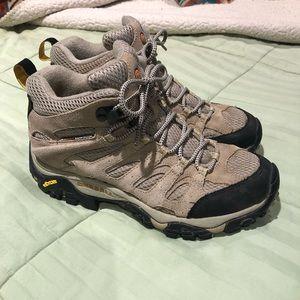 Merrell women's hiking high top shoe